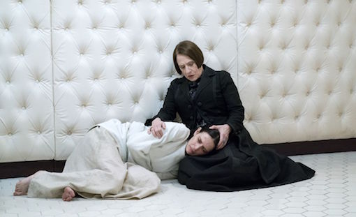PENNY DREADFUL Season 3 First Photo Of Eva Green In Straight ...
