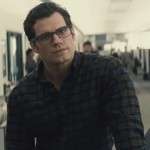 Henry Cavill On How His Clark Kent Is Different From Christopher Reeve's Clark Kent. BATMAN V SUPERMAN: DAWN OF JUSTICE New Cover