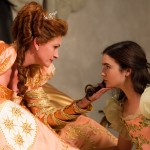 Trailer For The Other SNOW WHITE Film, MIRROR MIRROR Is More Comical