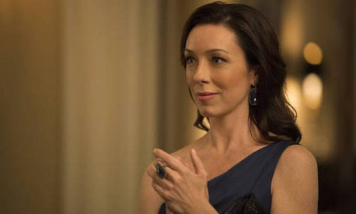 Molly Parker Is Maureen Robinson In Netflixs New Lost In Space