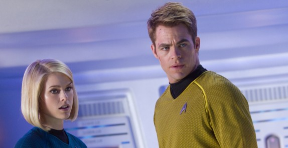 Star Trek Into Darkness - Chris Pine - Alice Eve